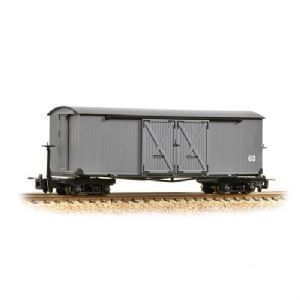 Bachmann 393-026 Covered Goods Wagon Nocton Light Grey
